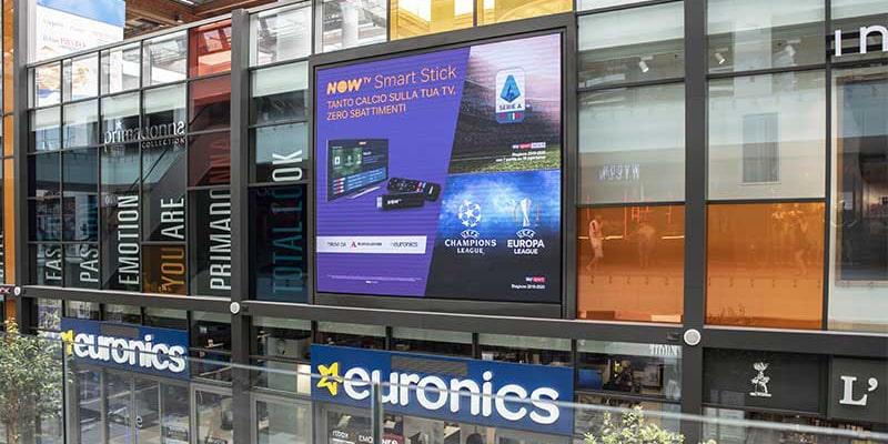campagna pubblicitaria NowTv centro commerciale Aura