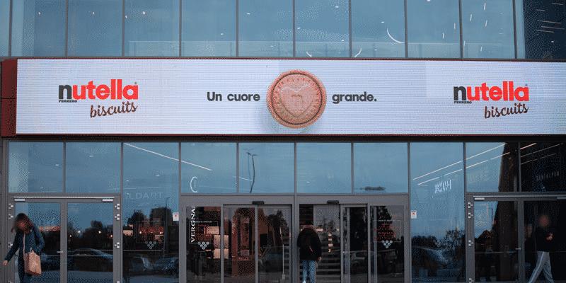 Campagna Pubblicitaria Ferrero Nutella biscuits centro commerciale Gran Roma