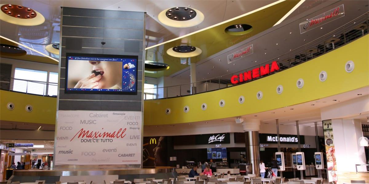 Campagna Pubblicitaria Baci Perugina - Centro Commerciale Maximall