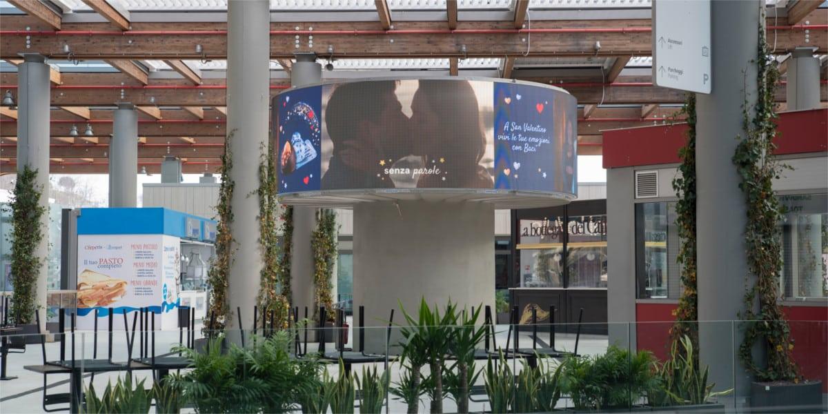 Campagna Pubblicitaria Baci Perugina - Centro Commerciale Aura