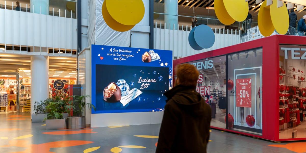 Campagna Pubblicitaria Baci Perugina centro commerciale Bicocca Village
