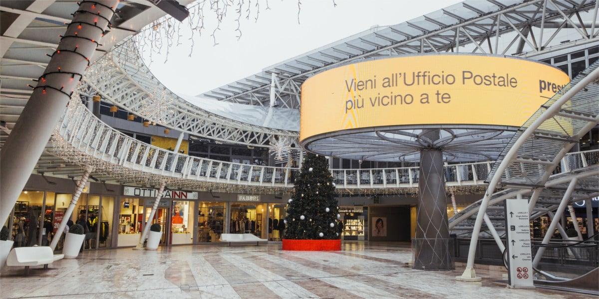 Campagna Pubblicitaria Poste Italiane - Bloom - Centro Commerciale Meridiana